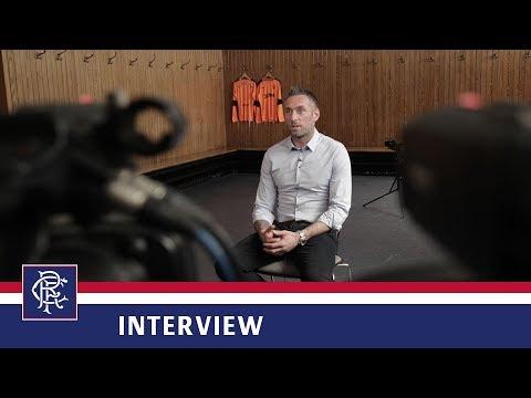 INTERVIEW   Allan McGregor Signs   16 May 2018