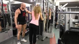 Как накачать ягодицы девушке  Упражнения для ягодиц и ног в тренажерном зале(Здесь вы найдете огромное количество видео-роликов по