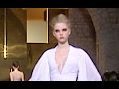 STEPHANE ROLLAND Spring Summer 2010 Paris Haute Couture - Fashion Channel