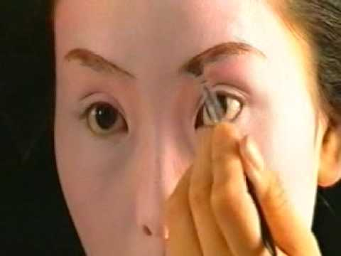 Maiko or Geisha Painting Her Face - The Full Film