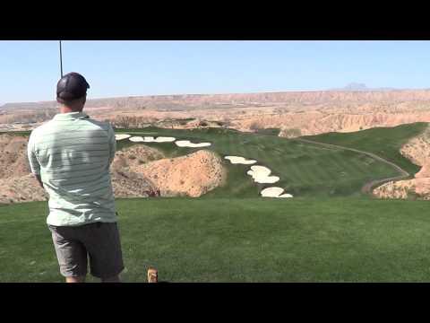Drive on 14th at Wolf Creek Golf Club Nevada