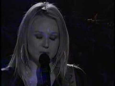 """YouTube — Jewel performs on Nashville Star"""
