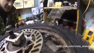 Как подтянуть спицы и выпрямить колесо(Как подтянуть спицы и выпрямить колесо. Регулировка натяга (натяжки) спиц колеса мотоцикла/питбайка. ВСТУПА..., 2013-12-16T16:44:01.000Z)