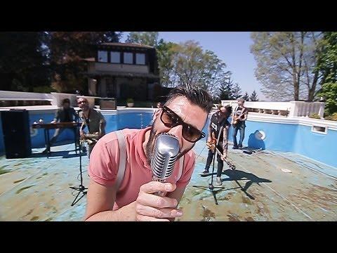 FEET'N TONES  MUSICA Video