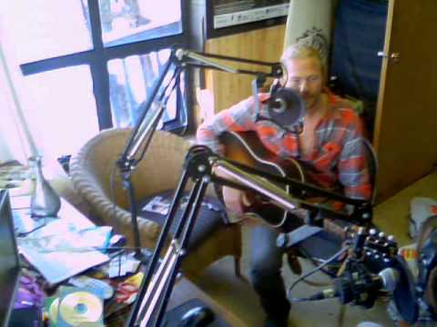 Matt Epp on Long Beach Radio August 30, 2012 via the LBRStudioCam (tm)