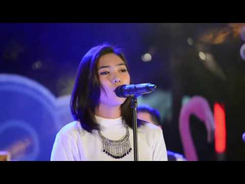 Isyana Sarasvati - Keep Being You [HD 720p60] [Live at Mall Central Park]