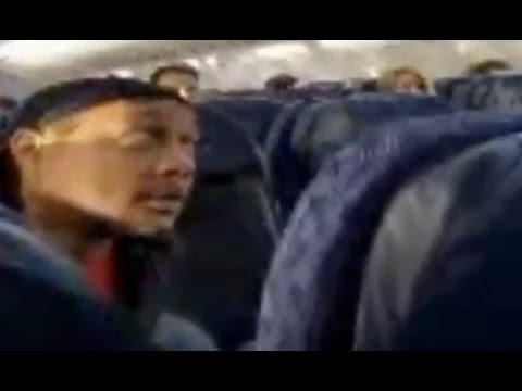 """DJ Quik """"Gets Dragged Off Airplane For Playing Music Too Loud"""""""
