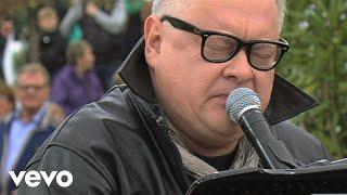 Dein ist mein ganzes Herz (ZDF-Fernsehgarten 03.05.2015) (VOD)