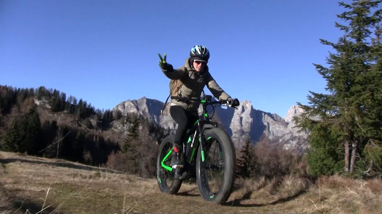 E-Bike autunnale nelle Dolomiti orientali. Dalla Val di Zoldo alla cime del Monte Fertazza.