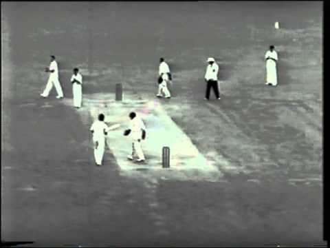 *RARE* Sir Len Hutton 60* vs Australia 5th test 1950/51