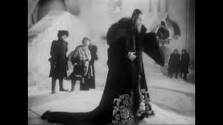 Иван Грозный II (1958): 'Maла!'