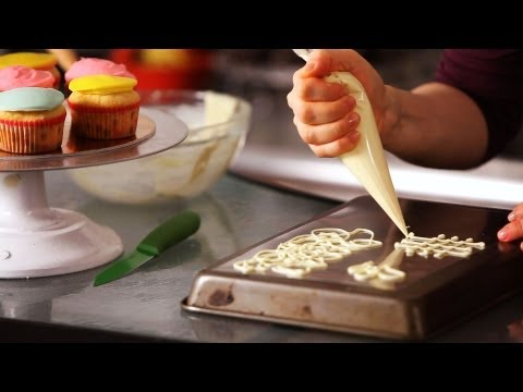 how-to-make-white-chocolate-decorations-|-cake-decorating