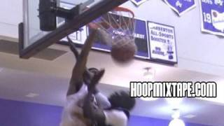 Jacob Lawson Puts Kid On A Poster And Gets A Tech; Best Pizza At The King James Classic