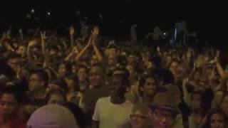 Dizu Plaatjies - Praise song