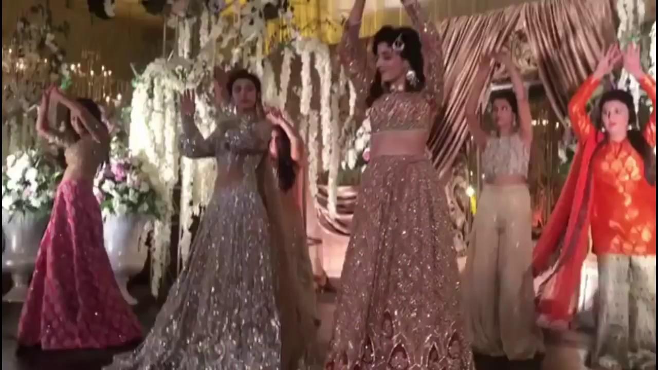 Mehndi S For Wedding Dance : Farhan saeed urwa hocane mawra wedding mehndi