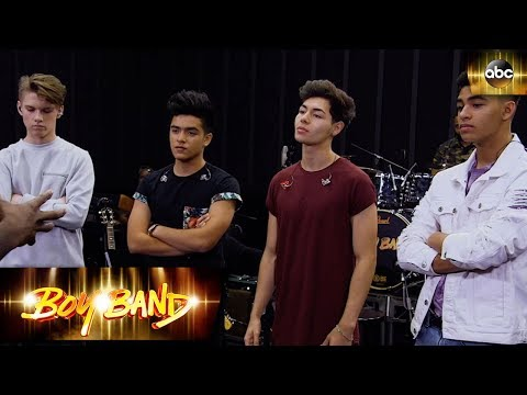 New Wave Faces the Pressure - Clip | Boy Band