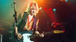 Watch Mick Ronson Dont Look Down video