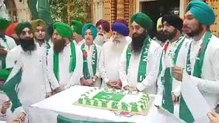 Mery Watan yeh Aqdeeten // Respect  love  Our Sikh_brothers  Pakistan loves you back .