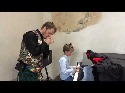 Prague kids piano - Ted & Jeremy Shafer JAM