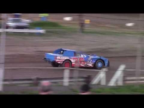 Hummingbird Speedway (9-15-18): Sunny 106.5 FM Pure Stock Heat Race #1