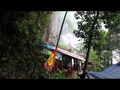 Đền Thượng .Núi Tản - Ba Vì - Hà Tây  - Tan Vien Temple in Bavi Mountain national park