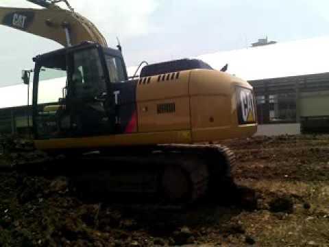 Teknik excavator pembuatan SLOPE samping di PU jakarta