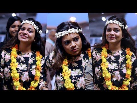 ബിഗ്ബോസ്  താരം ജസ്ല മാടശ്ശേരിക്ക്  എയർപോർട്ടിൽ വമ്പൻ സ്വീകരണം | Jazla Madasseri At Cochin Airport