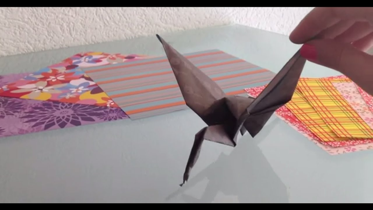 fabriquer un oiseau en papier origami facile youtube. Black Bedroom Furniture Sets. Home Design Ideas