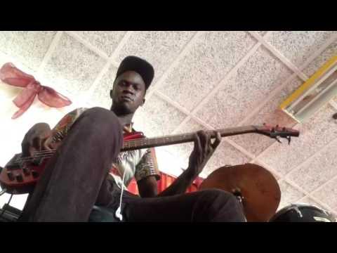 Extrait Tongo Etana guitare basse John Drazzo