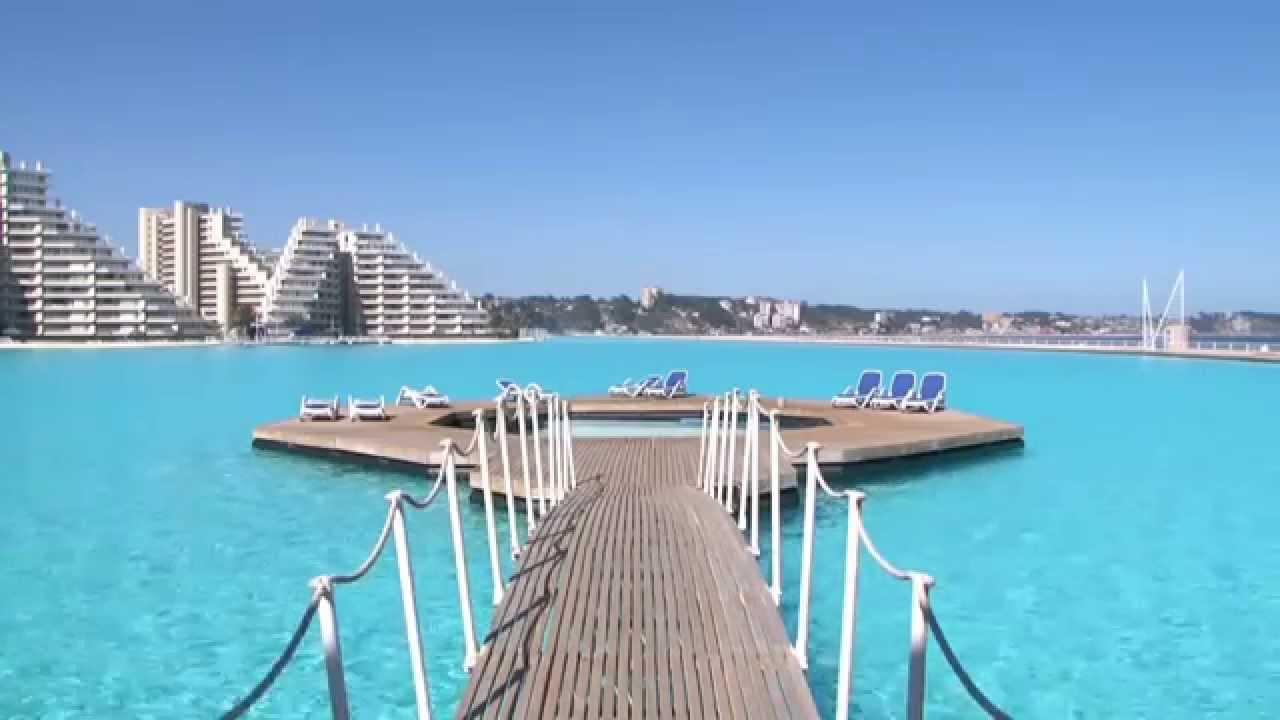 ceci est la plus grande piscine du monde youtube. Black Bedroom Furniture Sets. Home Design Ideas