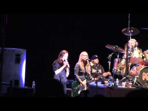 The Go-Go's. Unforgiven Live @ Portland's Oregon Zoo Amphitheater.m2ts