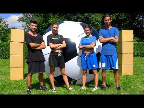 GIANT FOOTBALL CHALLENGE **PARTITA DI CALCIO GIGANTE**