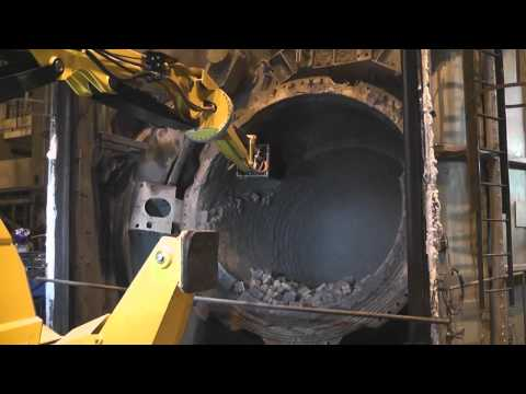 B800 demolishing brick lining in caldo furnace