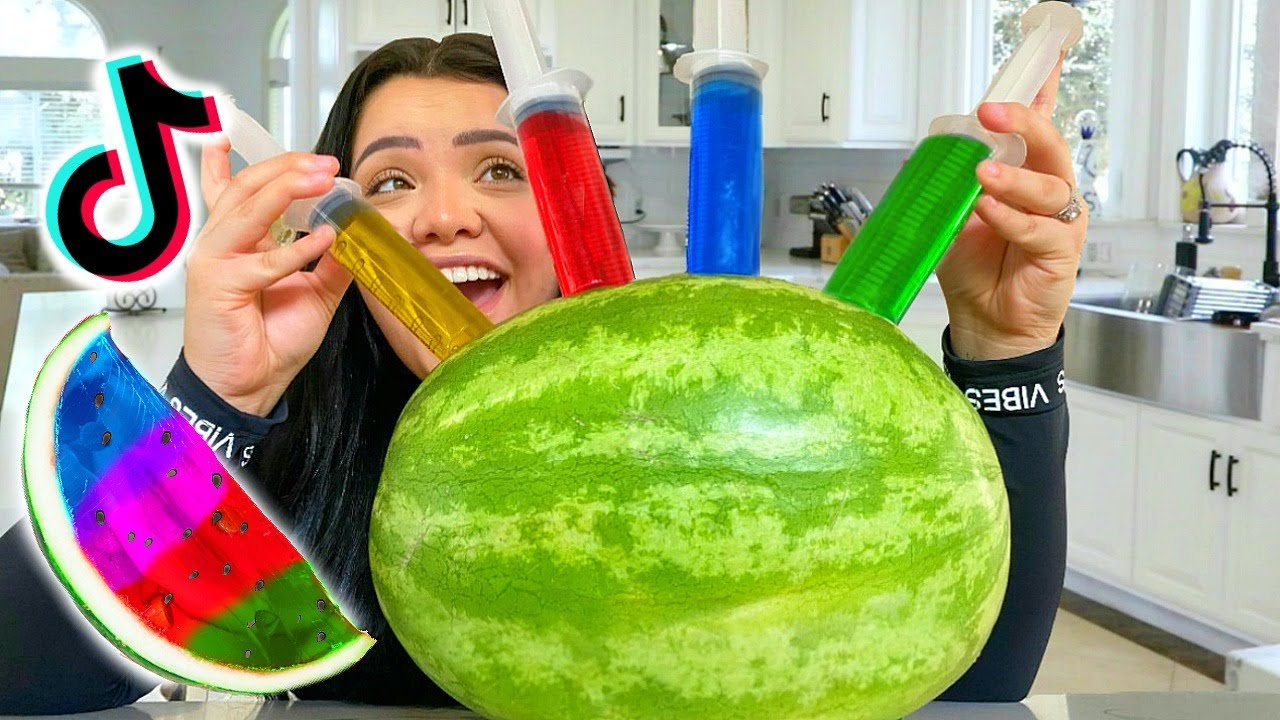We Tested VIRAL Tiktok Life Hacks! *Shocking* Jelly Watermelon, Fashion Nova Curve + More!