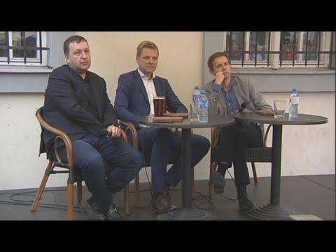 Su sostinės krepšinio fanais bendravo Antanas Guoga ir Remigijus Šimašius