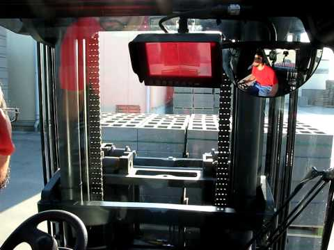 Cab view of the Comatra Forklift Camera on Linde H80 with Kaup fork positioner
