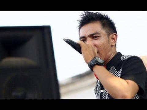 Gerry Mahesa   Rahmat Ilahi Lirik + Audio Stereo http://putrimp3z.wapka.mobi