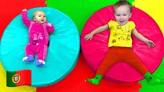 Parque infantil - canção para crianças | Canções infantis da Cinco Crianças