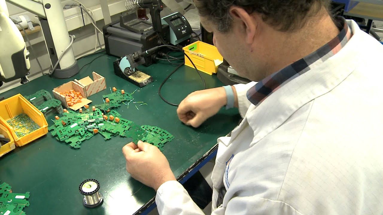 agent de montage et de cablage en electronique  u2013 voitures