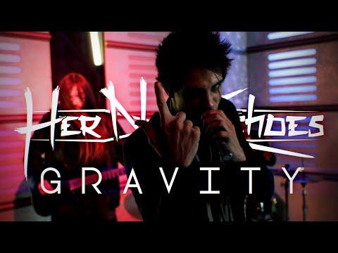 Смотреть клип Her Name Echoes - Gravity