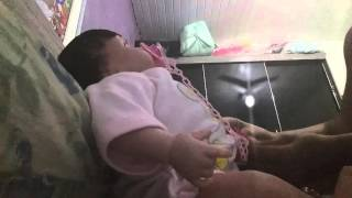 vuclip Trocando e amamentando a velantina bebe reborne