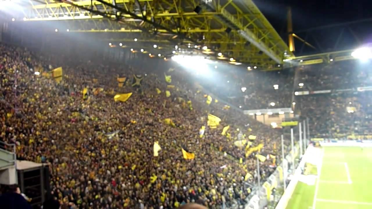 Konfetti und Stimmung BVB - Mönchengladbach