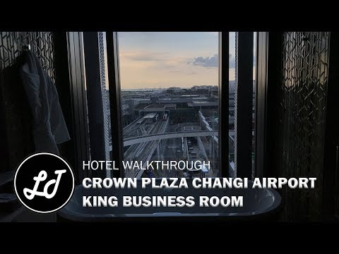 Crowne Plaza Changi Airport | King Business Room