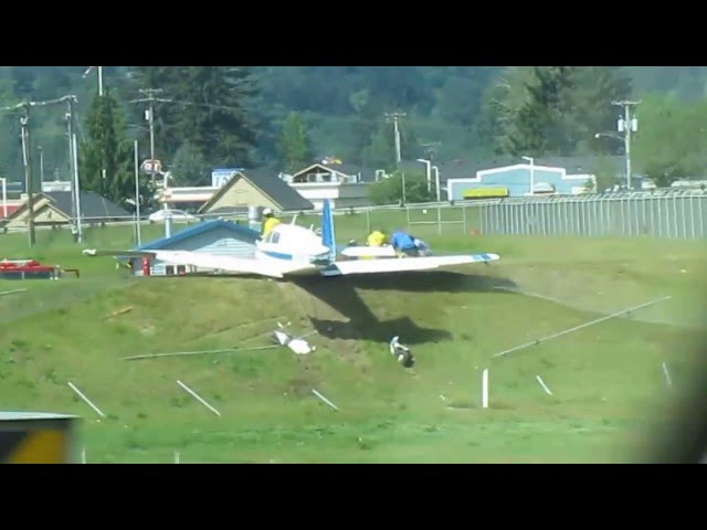 Airplane take off at the Woodland, WA airport goes tragically wrong