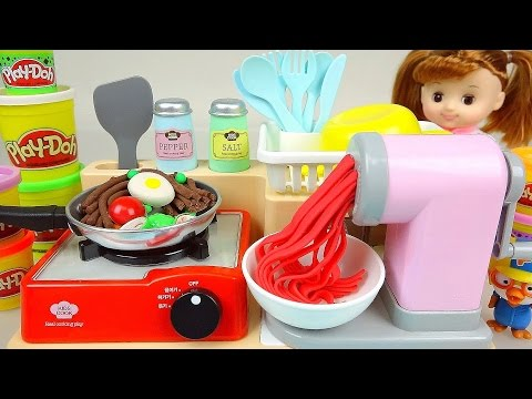 Play Doh noodle spaghetti cooking toy and Kinder Joy Surpris