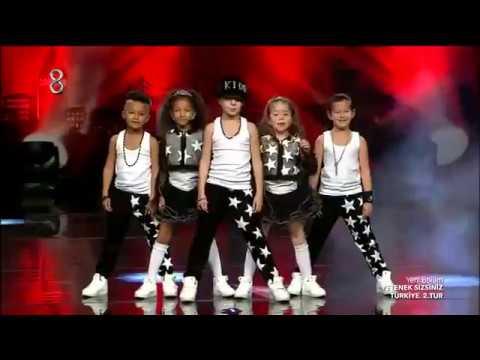 Yetenek Sizsiniz Cool Kids 2 Performansı   Yabancı Çocuklar İstersen Bana UKALA mukala DE