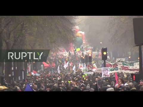 LIVE: French unions