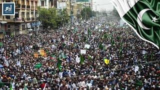 آلاف الباكستانيين يتظاهرون ضد الشيعة في كراتشي #إرم_نيوز
