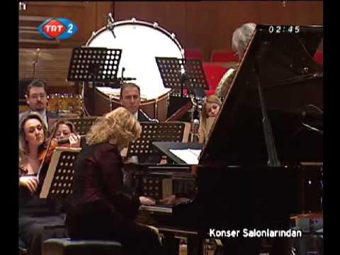 Gülsin Onay - Chopin 2nd Piano Concerto (1/4)