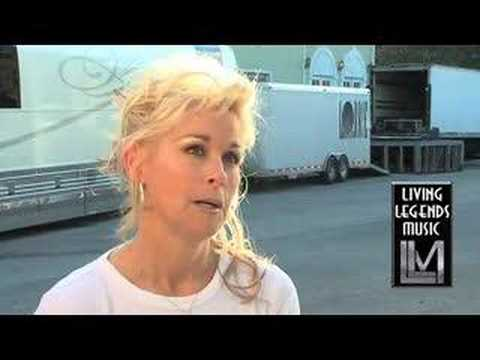 Lorrie Morgan - What You See is Who I Am (6 of 10)